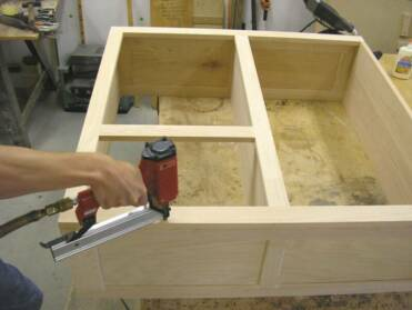Assembling_the_cabinet